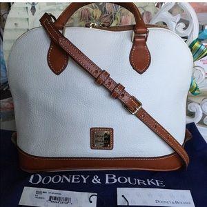 D&B Pebbled leather zip-zip shoulder purse